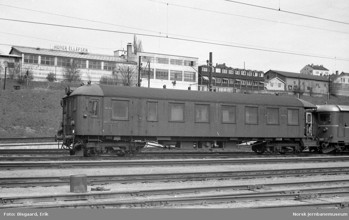 Styrevogn litra BFS 65 nr. 18623 i Lodalen