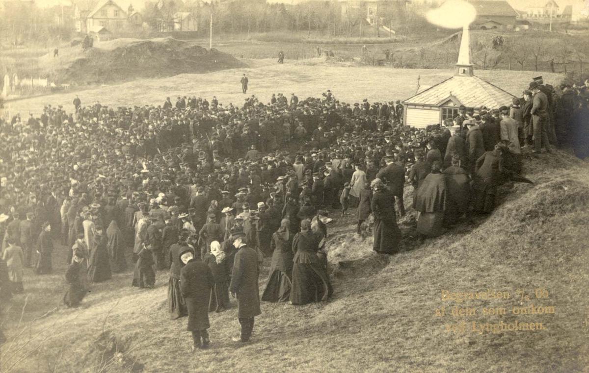 Kirkegård - Gruppe - Begravelse.