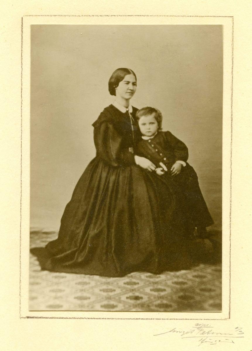 Portrett - Dame og barn