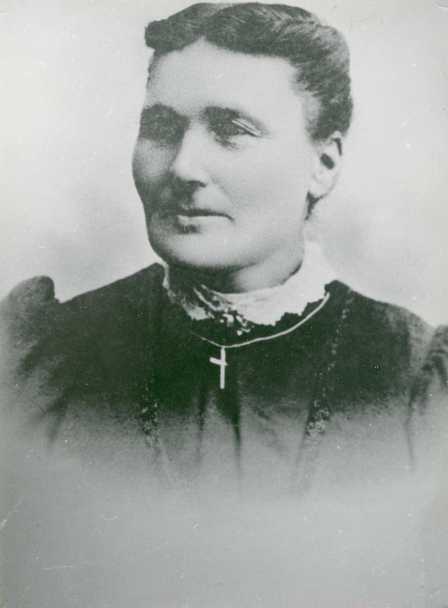 Portrett - Fru Ole Andr. Larsen