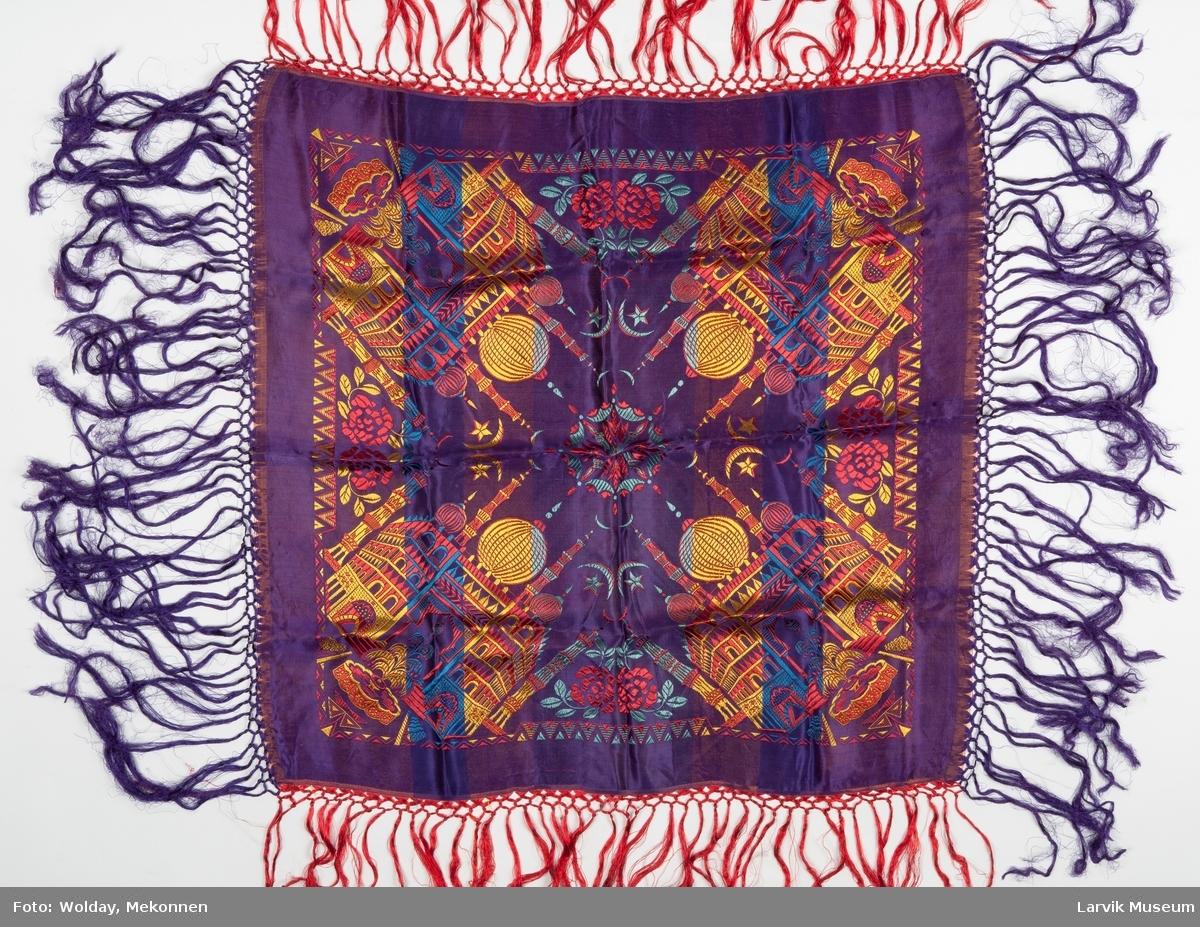 Vevet silkeduk med lange frynser
