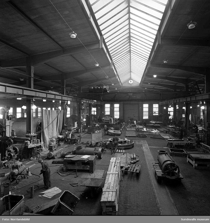 Bilder från verksamheten på Skönviks mekaniska verkstad 1950.
