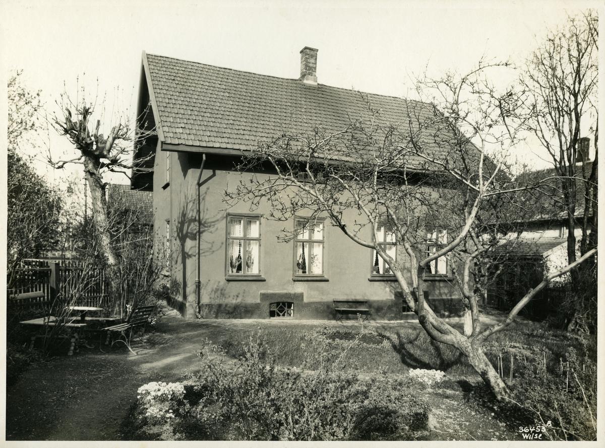 Skipsreder Mads Höegh Johnsens hjem og hage i Vinjes gate 4, Oslo.