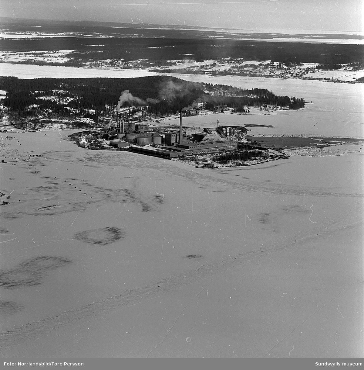 Flygfoto över Ortviken, Korsta, Petersvik.
