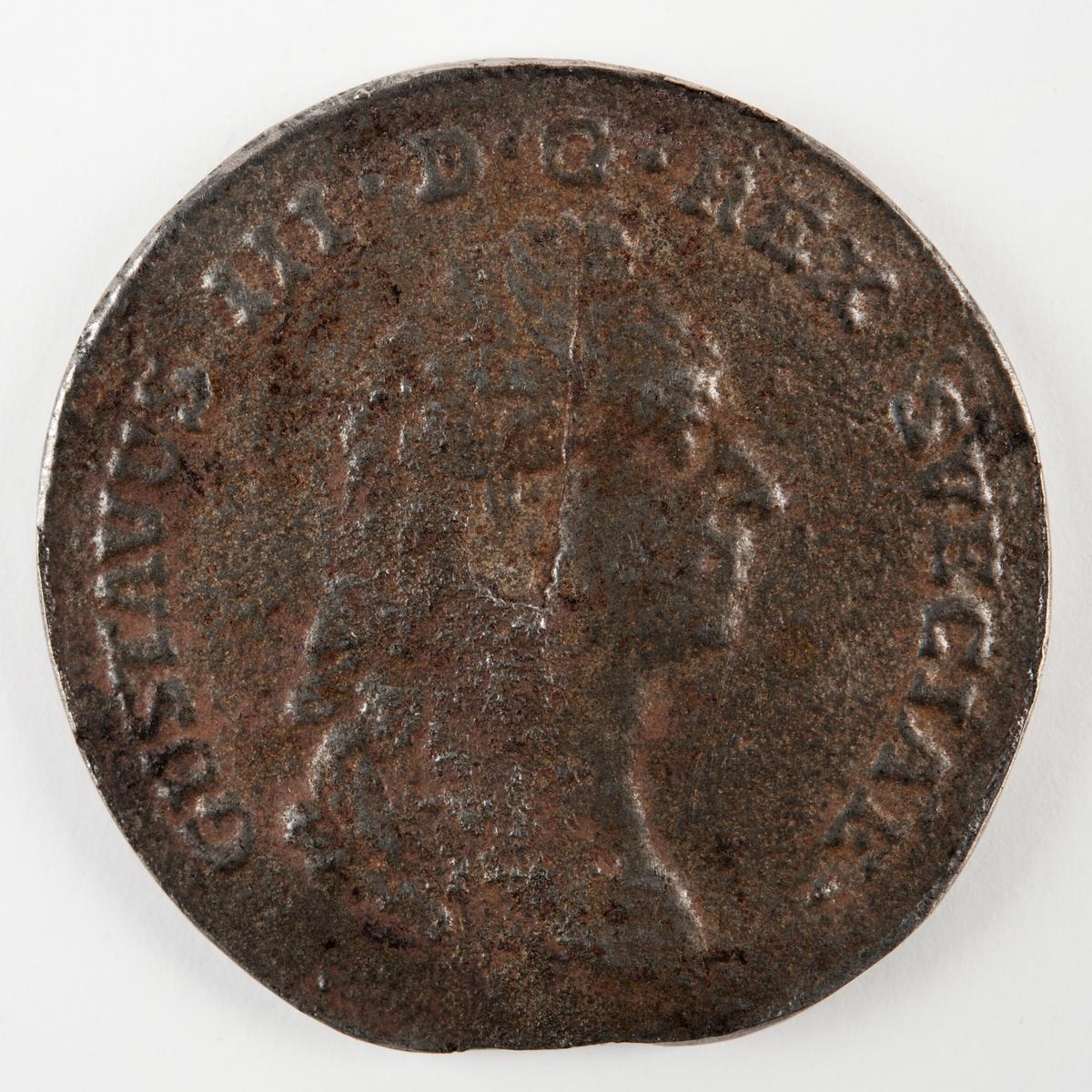 Medalj i järn, präglad över slaget vid Svensksund 9 juli 1790. Framsida: Porträtt av Gustaf III.