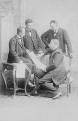 I 1897 års expedition tillkom en fjärde reservdeltagare till