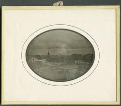 Daguerreotyp. Byggnaderna är från höger: Direktörsbostaden,