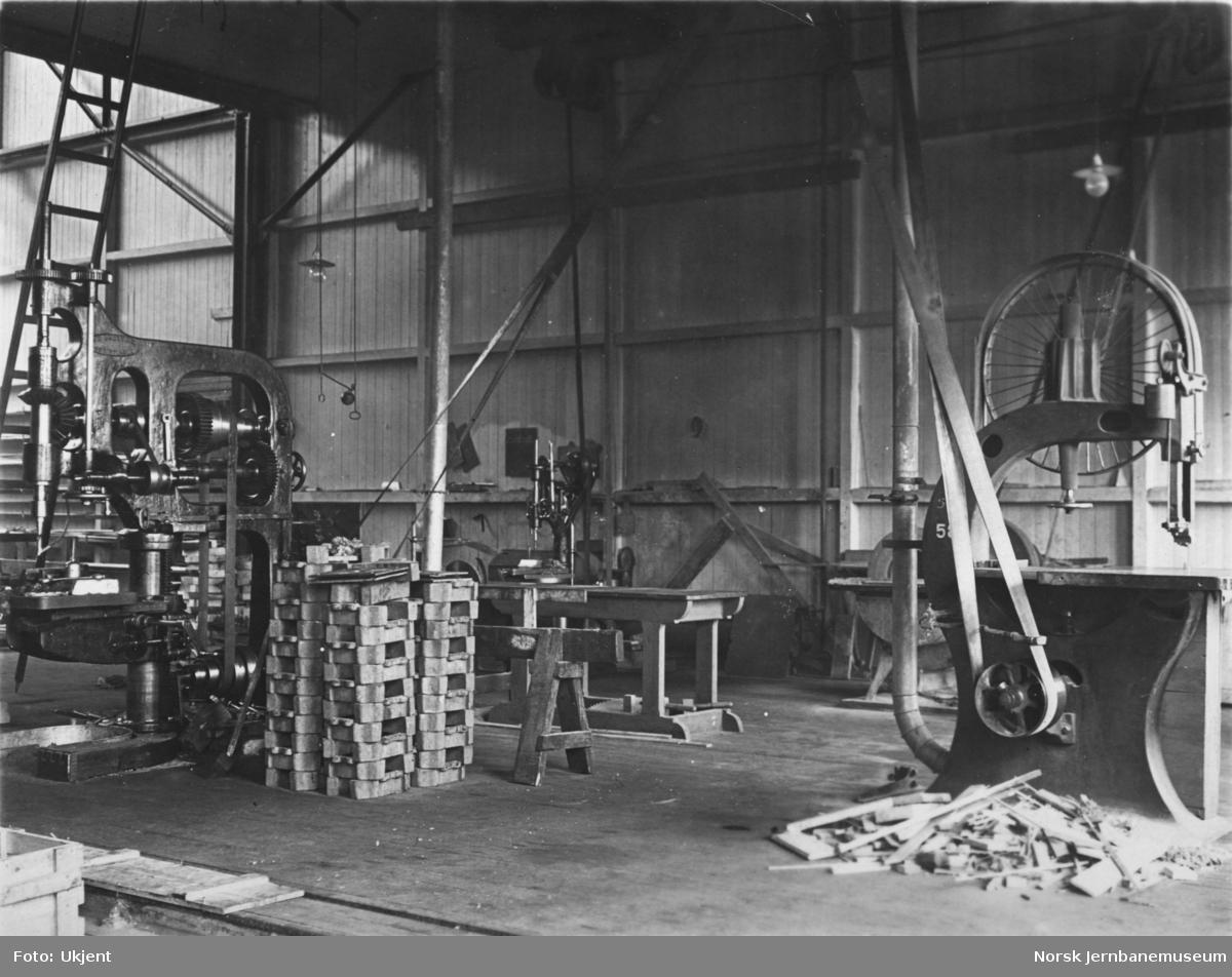 Verkstedet Sundland, maskiner i vognverkstedet