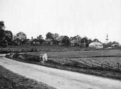 Strömsbergs Bruk, Uppland. Wessland, bruksgata och kyrka.