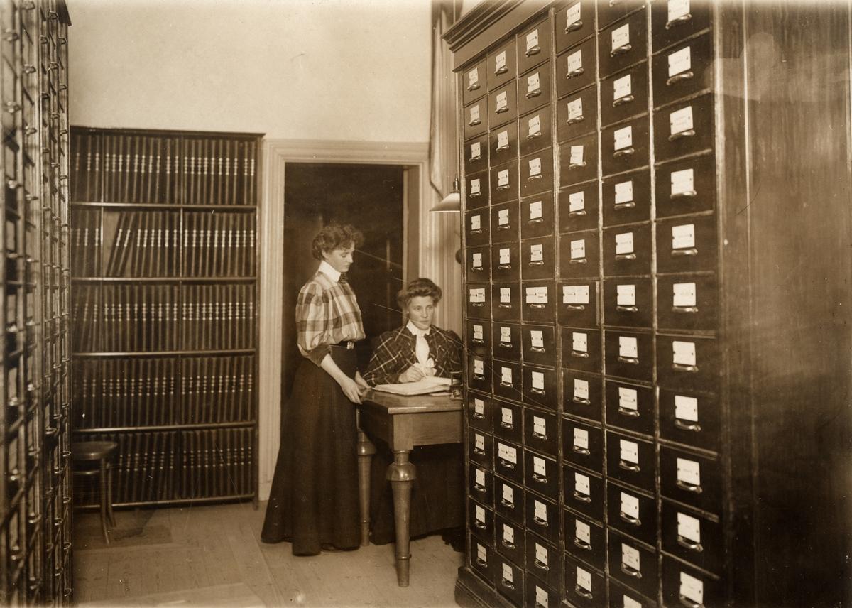 Fotografi ur album tillhörande Ester Holmberg, anställd vid Telegrafstyrelsens statistikavdelning 1902. Fotografierna troligen tagna 1907. Ester Holmberg i arkivet.