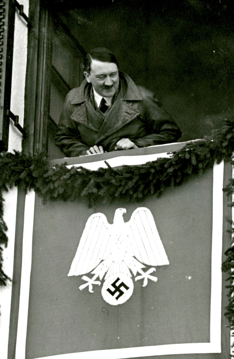 Adolf Hitler visits the Olympic Games