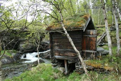 Kverna i Rødbekken, Narjordet (Foto/Photo)