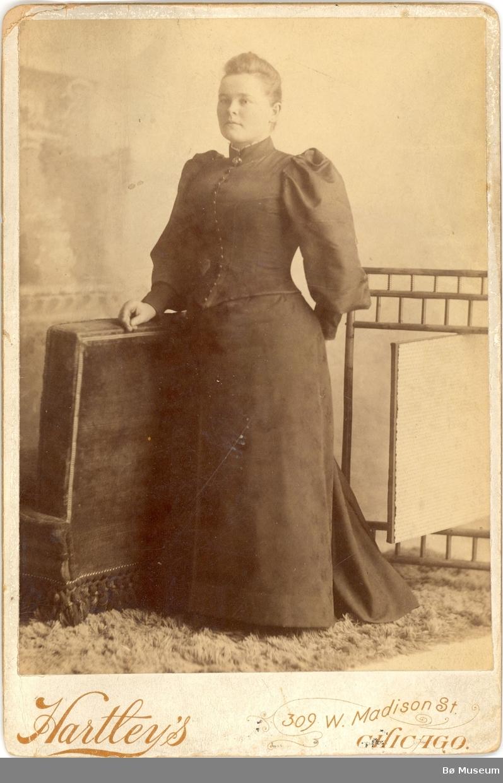 Kvinne, heilfigur