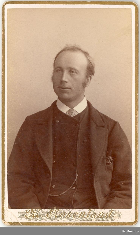 Mann, portrett. Svenung Sønstebø