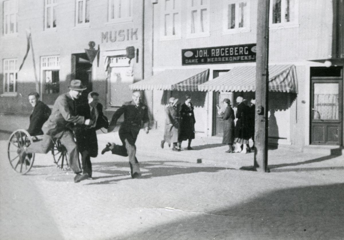 Kongsberg skiers having fun in the town of Kongsberg