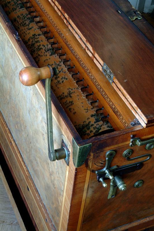 Spilledåse, musikkinstrument (Foto/Photo)