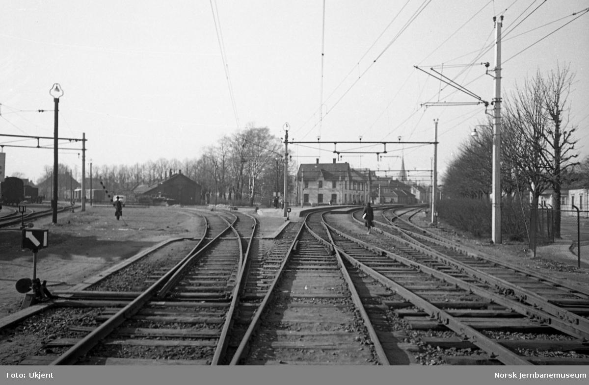 Fredrikstad stasjon, stasjonsbygningen og stasjonsmesteren
