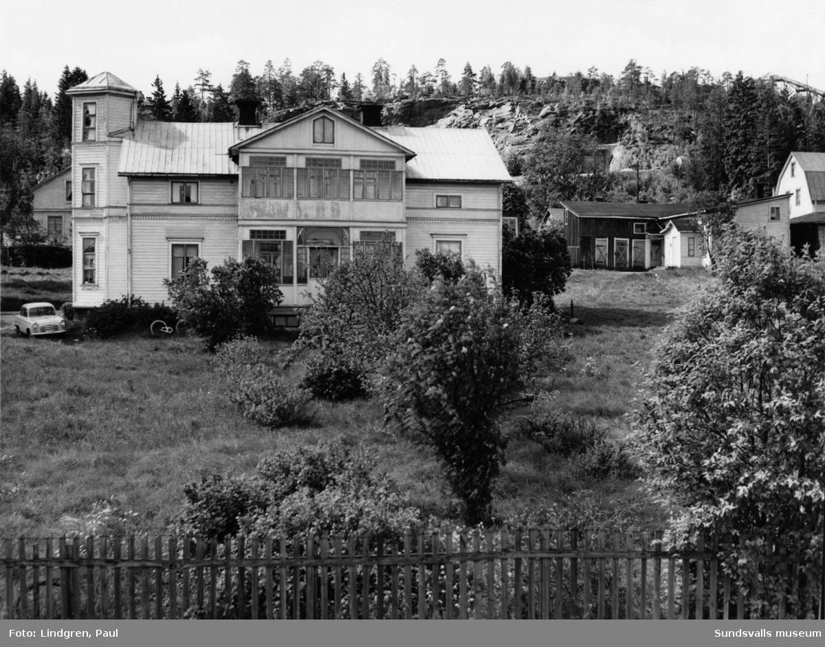 Gränsgatan 28. Alphyddan. Här bodde Lars Ahlin i ett rum och kök under åren 1928-1933, och även senare när han hälsade på hos sin far och styvmor,