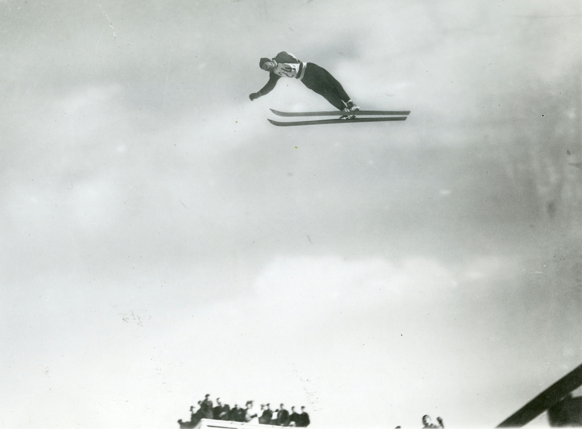 Athlete Reidar Andersen in action at Garmisch
