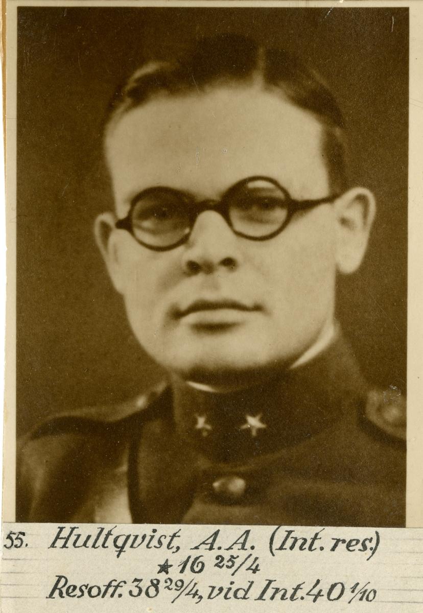 Porträtt av Arne Arvid Hultqqvist, löjtnant vid Intendenturkåren.