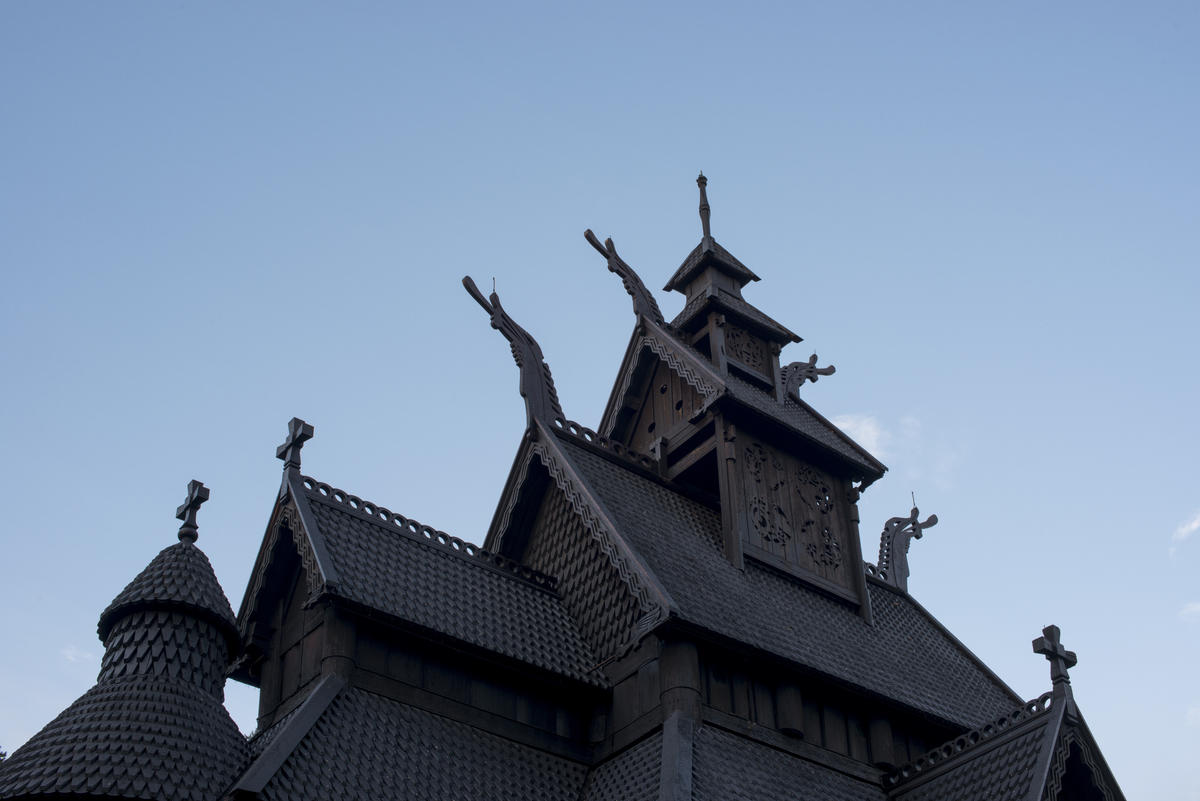 Roof with ornaments on the Stave Church (Foto/Photo)