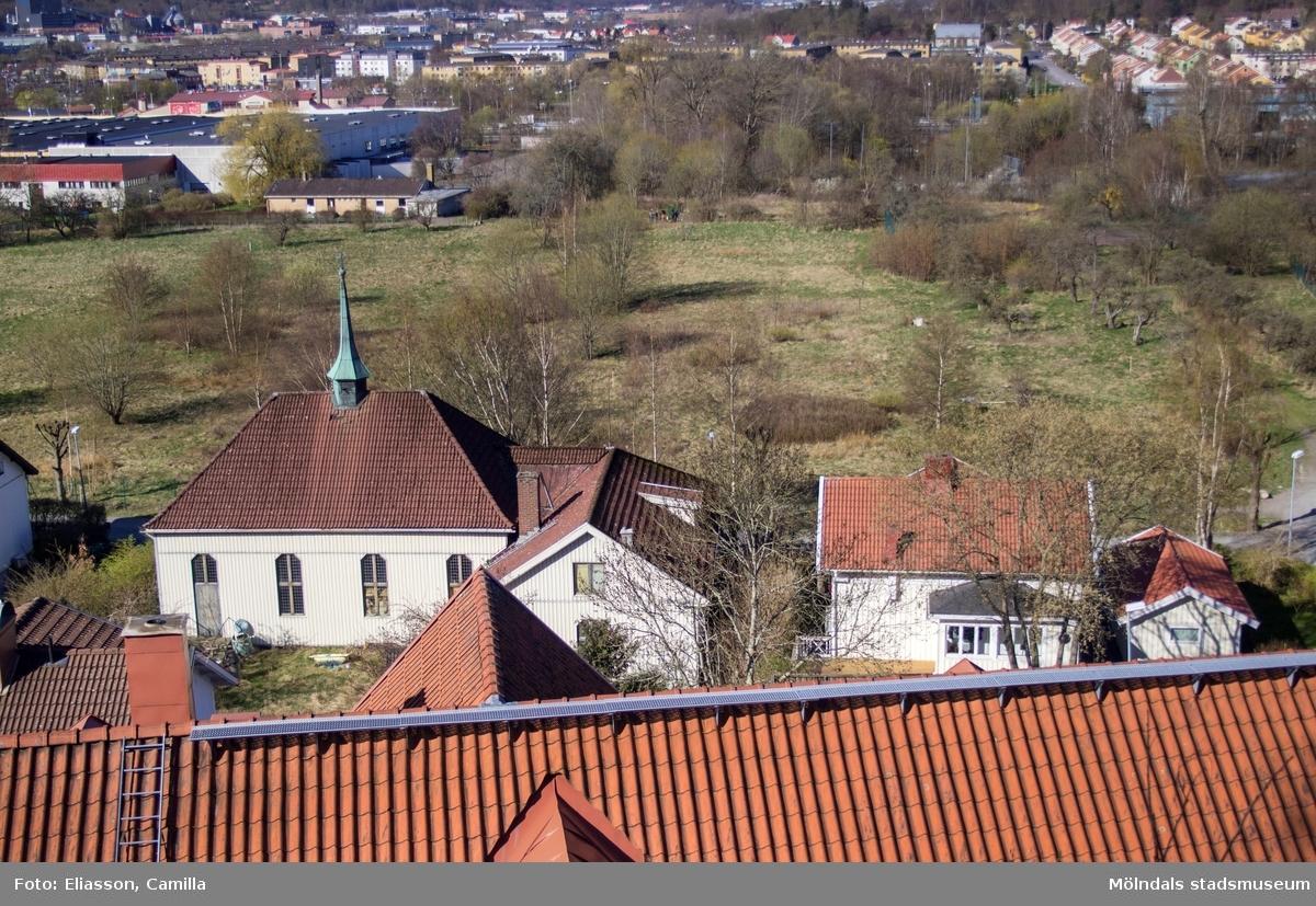 Tjugo år senare invigdes en större kyrkobyggnad söder om och sammanbyggd med kapellet. Det är byggnaden med takryttare. Verksamheten upphörde 1991 men byggnaden står kvar och nyttjas som privatbostad.