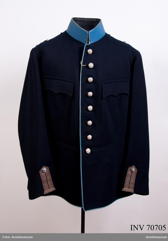 Grupp C I. Uniformen buren av majoren i armén, F.O. Zethelius, f. 1865, d. 1934. Vapenrock m/1895. Trängen (Första Svea trängkår), go 1895-04-10.