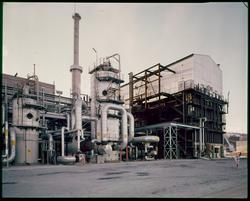 Reformeranlegg ved N II-fabrikk.