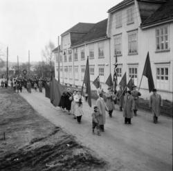 """Vardens arkiv. """"1 mai feiring""""  01.05.1954"""