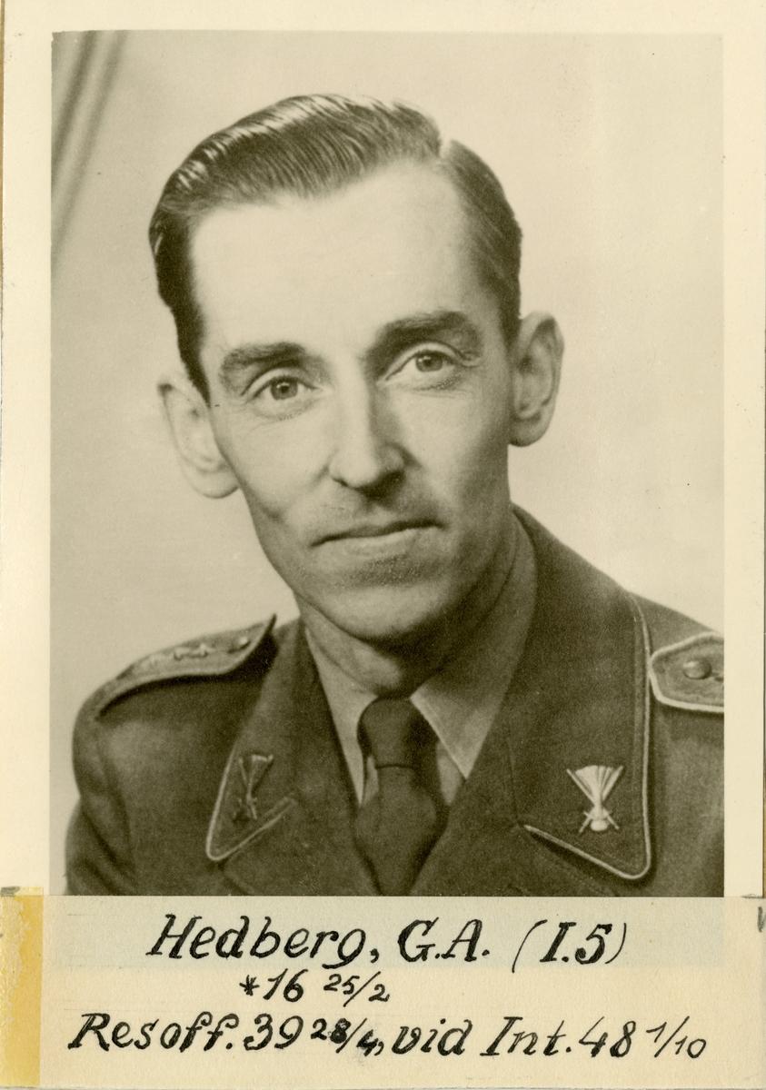 Porträtt av Gustaf Arvid Hedberg, officer vid Jämtlands fältjägarregemente I 5 och Intendenturkåren.