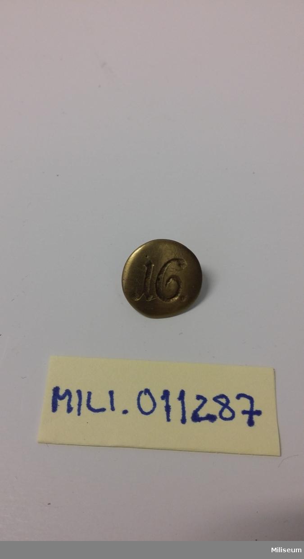 Knapp m/1816 av mässing.
