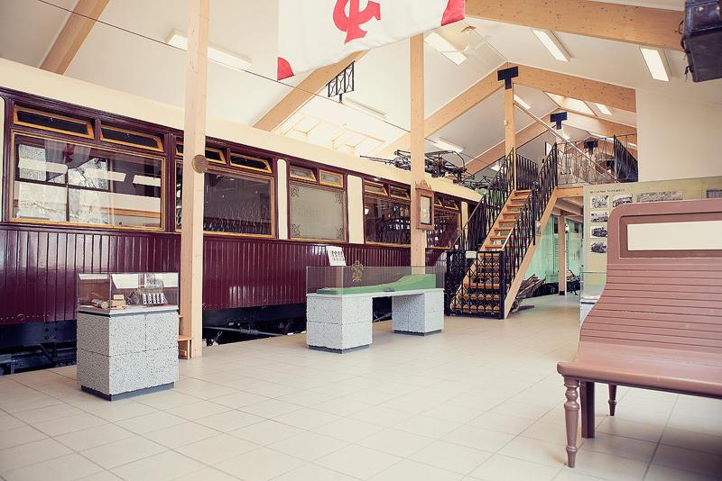 I utstillingene til Thamshavnbanen står blant annet Kongevognen som en del av de faste utstillingene.