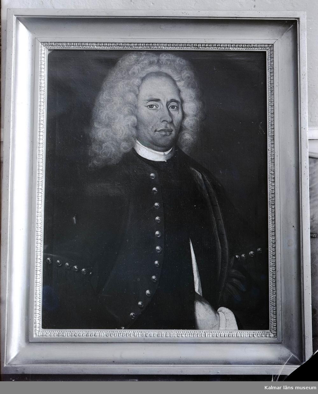 Kaspar Didrick Hoppenstedt. Borgmästare 1734 - 1745. Oljemålning på Kölby gård. På dukens baksida:  P.D.B.             o Natus A= 1680 d. 9 april                  o Depictus A= 1728 in augustij Edward Orm pinxit