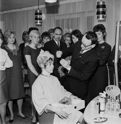 Frisyrvisning för Uppsala damfrisörklubb, Uppsala 1965