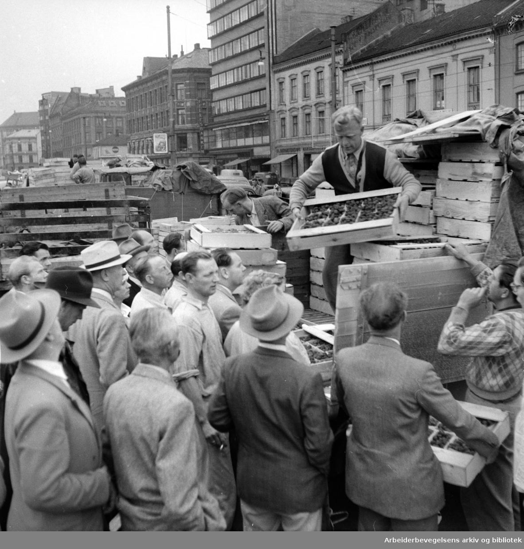 Grønlands Torg, august 1955.