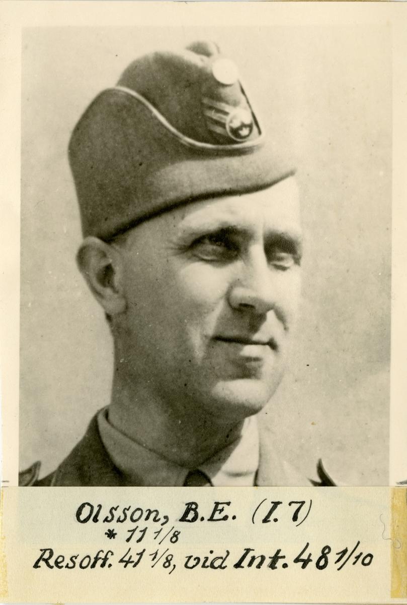 Porträtt av Bror Emil Olsson, officer vid Södra skånska infanteriregementet I 7 och vid Intendenturkåren.