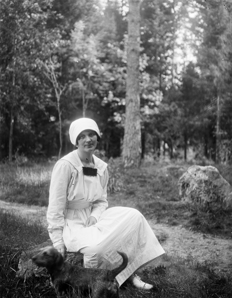 """Axia Anderson Göksbo ensam"", Altuna socken, Uppland 1919"