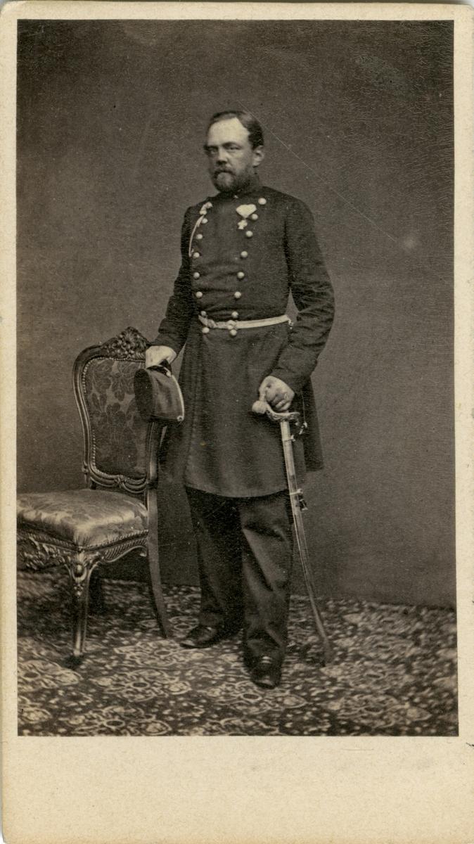 Porträtt av Carl Alexander Rudbeck, löjtnant vid Upplands regemente I 8. Se även bild AMA.0009371