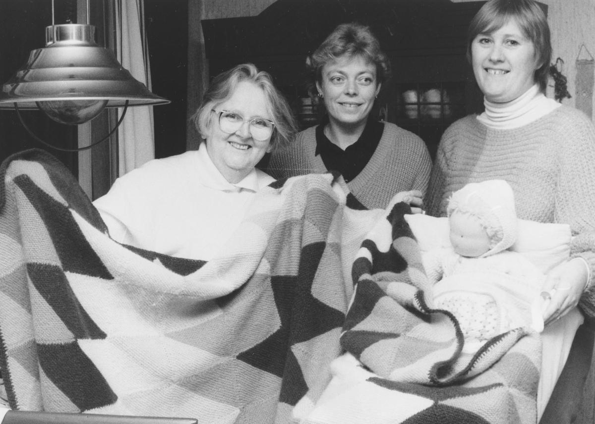 Nittedal husflidslag forbereder julemesse i 1987.