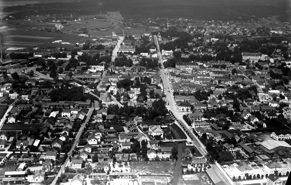 Centrala Kristinehamn sett från söder på en bild från 1935.