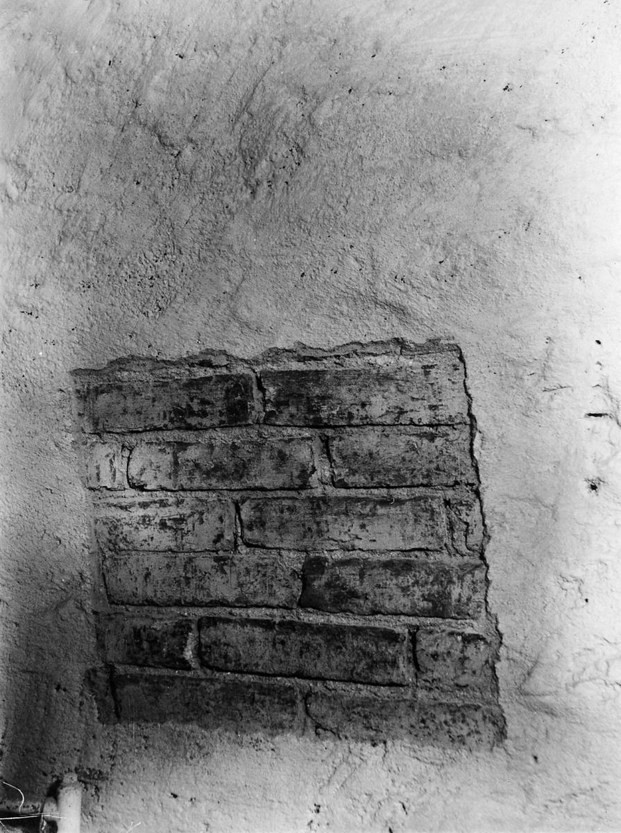Blottat tegelskift i V. Källarrumet gården nr 73, kv. Gautiod