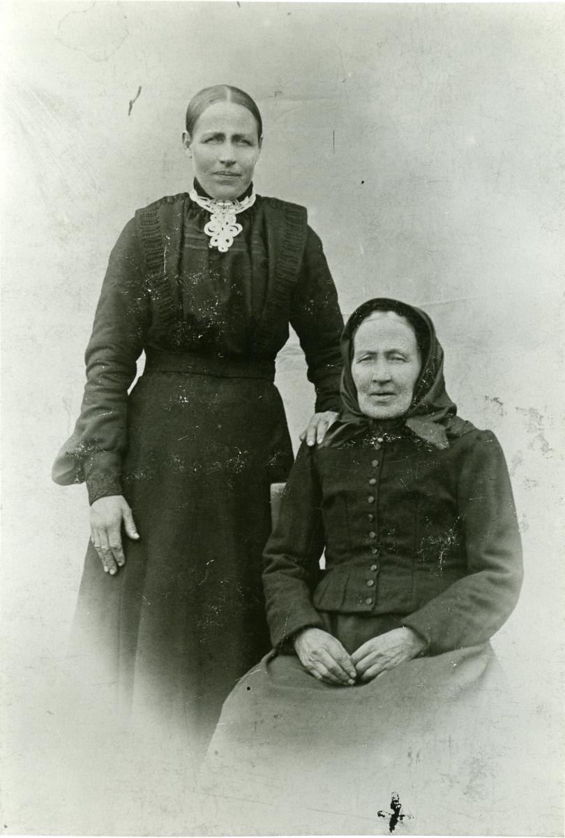 Olave Nylund og hennar mor Siri Ivarsdotter.