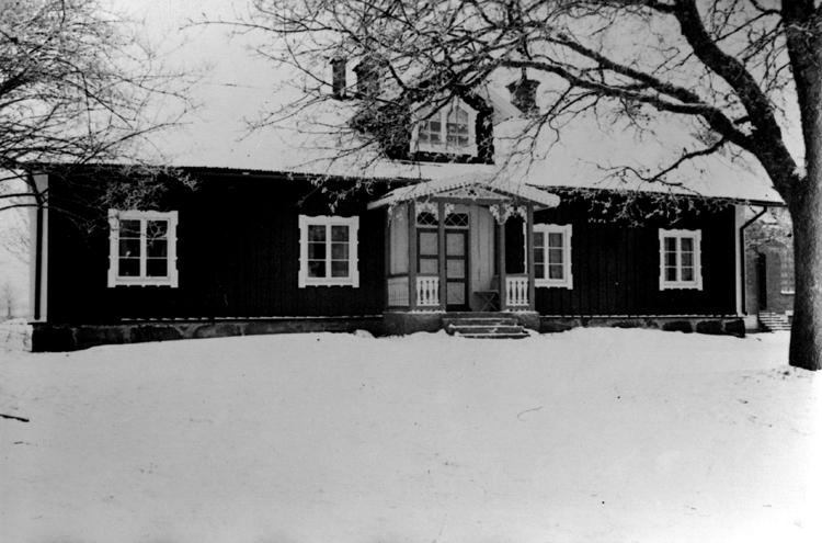 Foto av ett bostadshus i snö. - Kulturparken Småland   Smålands ... 1436dd18a3256