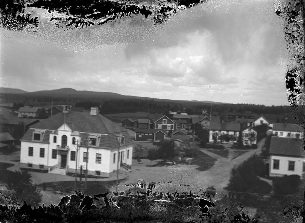 Torsåkers kommunalhus. Foto från kyrktornet 1920.