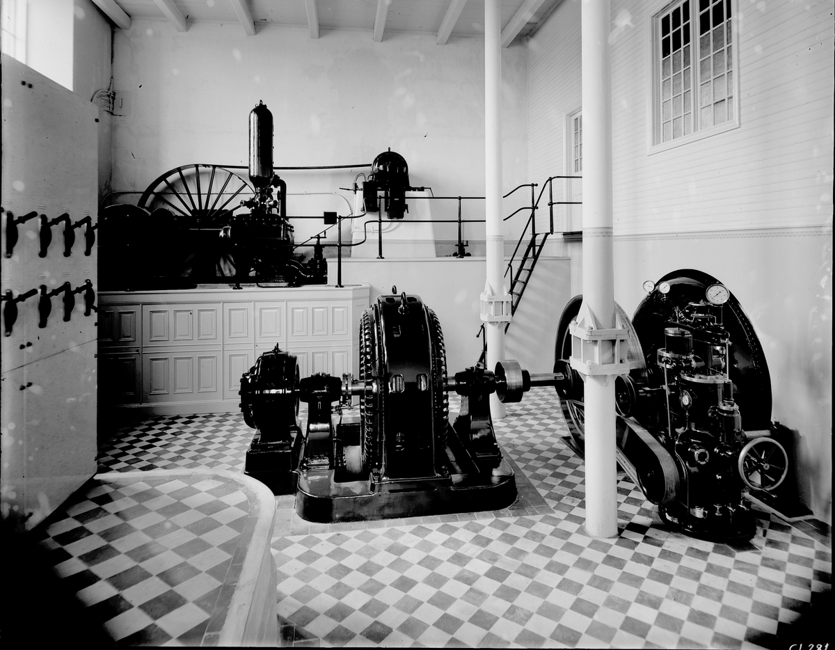 Gefle Manufactur AB, grundades 1849 - som ett av Sveriges första bolag enligt aktiebolagsformen.  Byggnadstekniska nyheter som gjutjärnskolonner kunde göra vävsalarna stora.