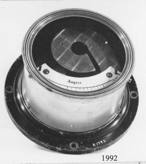 Amperemätare under glas med omhölje av mässing. 0-120 A  69406