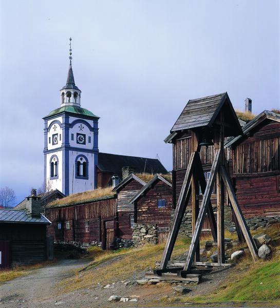 Røroskirka. Foto/Photo