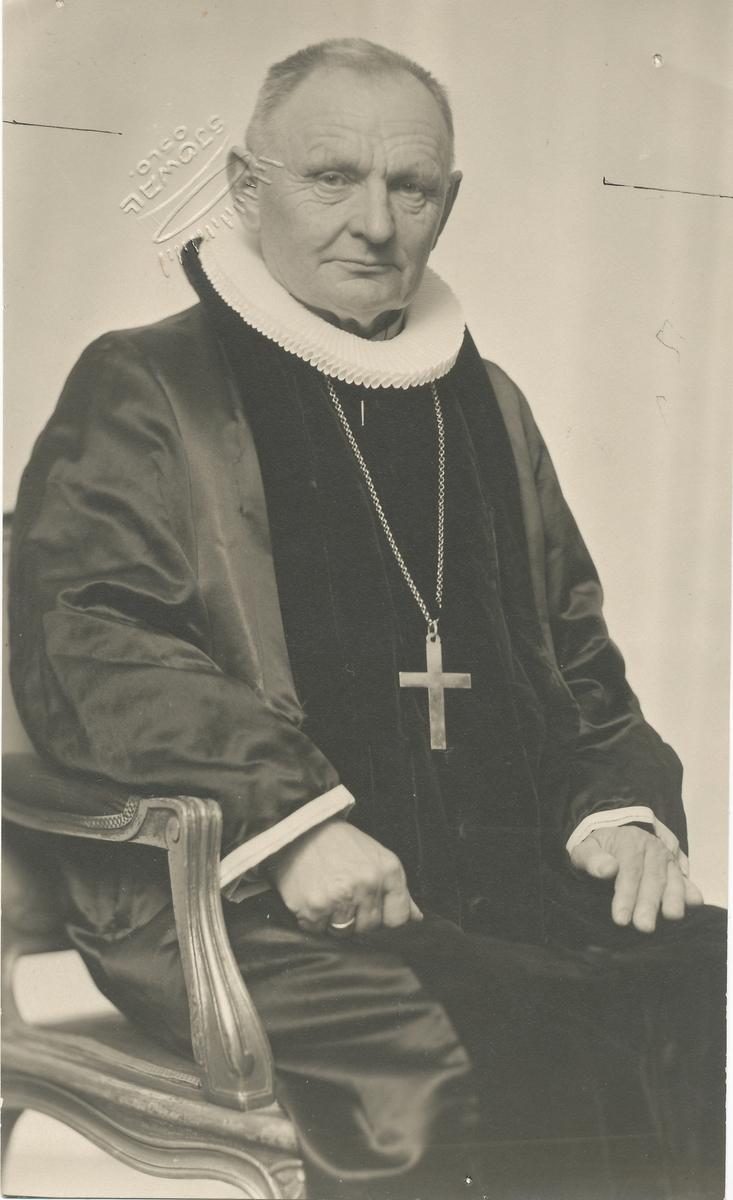 Biskop Bjønness-Jacobsen som Otto Valstad senere har malt.