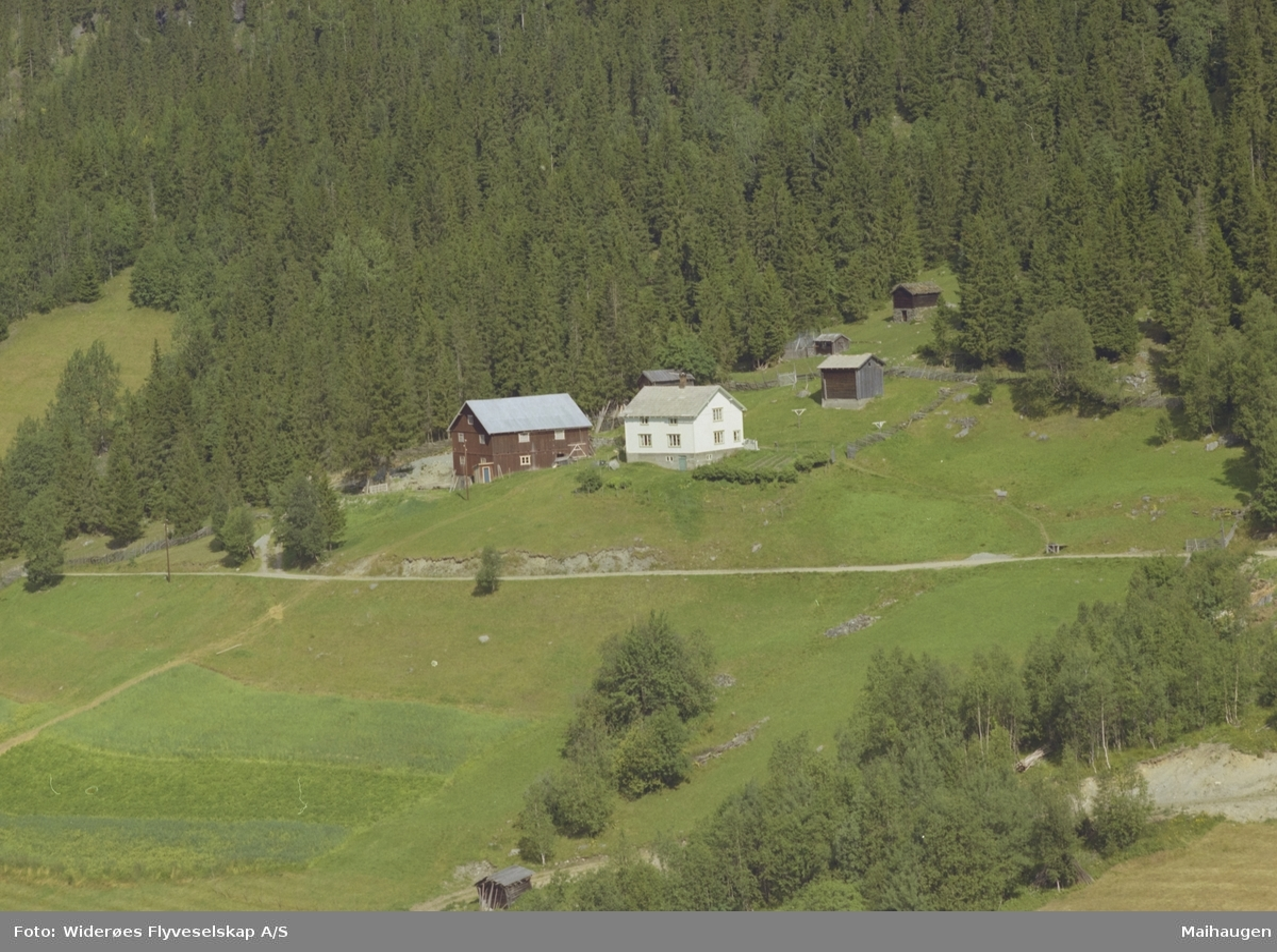 Sveen eller Svea eller Nordgardssvea, gårdsbruk, nyere og gamle bygninger, Øvre Svatsum, Vestre Gausdal