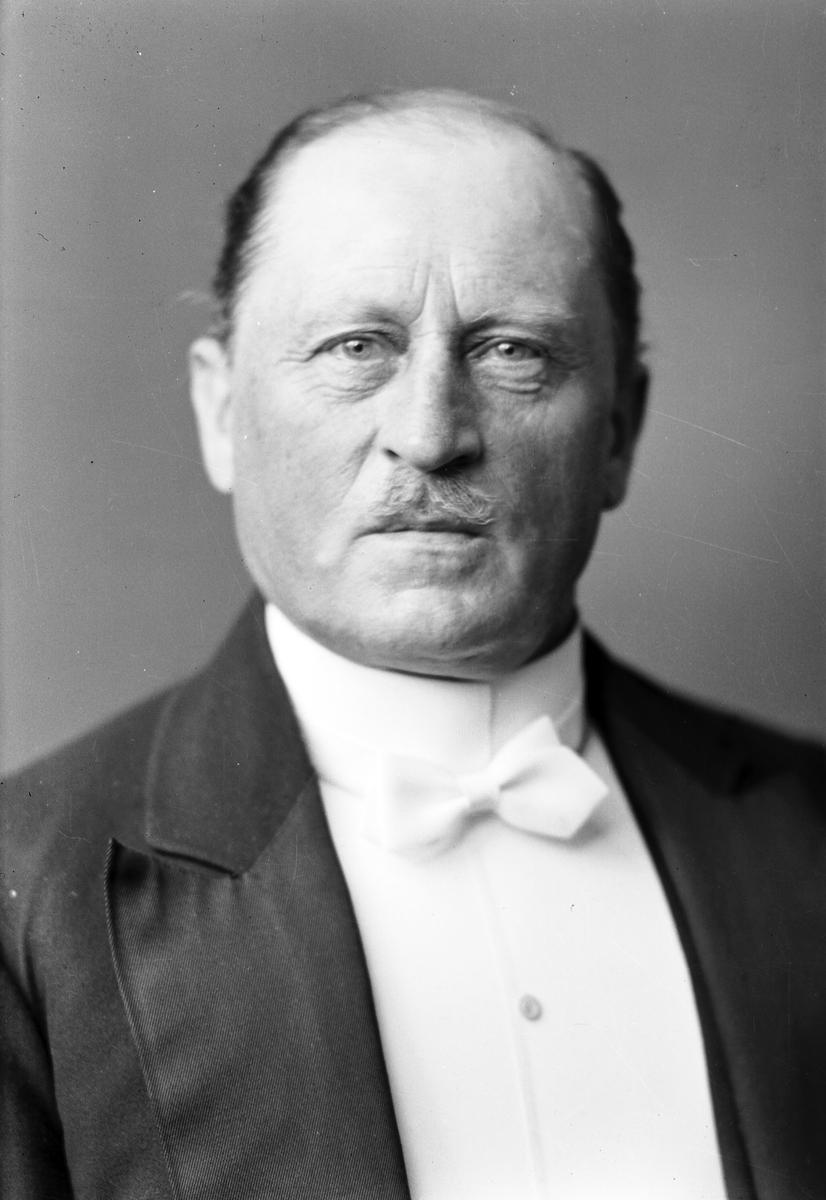 Herr Otto Lindvall.